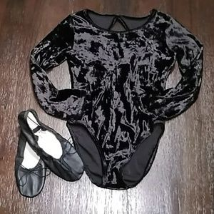 NEW LIST Girls velvet bodysuit.  Size small 6-7